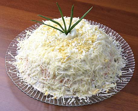рецепты салатов в красивом оформлении. салат из мидий...
