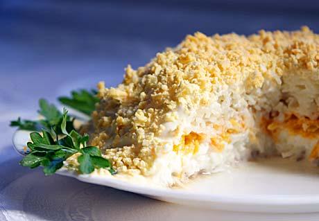 Салат из консервированных кальмаров.  Рыбный супчик для